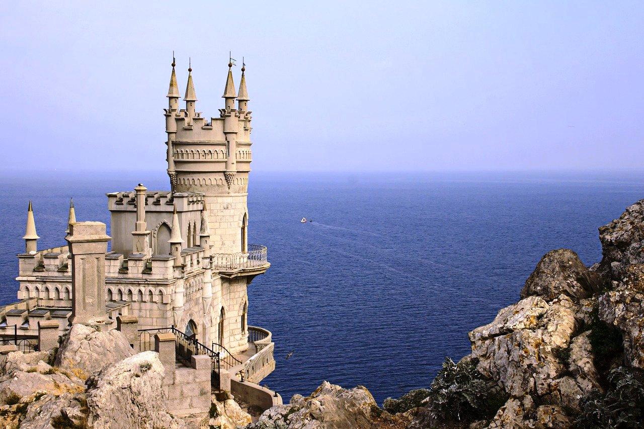 Крым. Замок «Ласточкино гнездо»